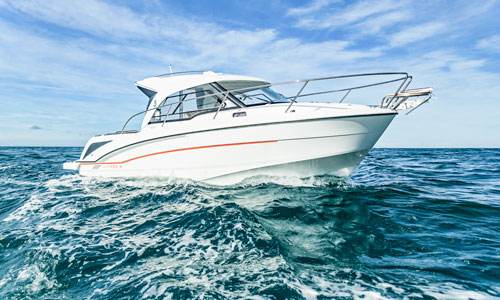 The Antares 8 Outboard From Beneteau